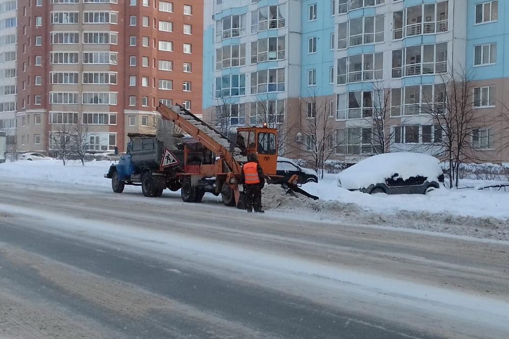 Щетка для уборки снега на трактор