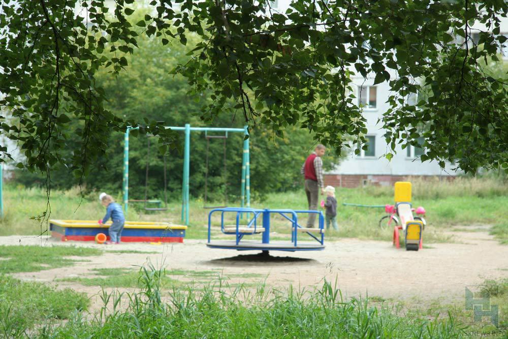 Генпрокуратура Новосибирска признала небезопасными песочницы вдетских садах