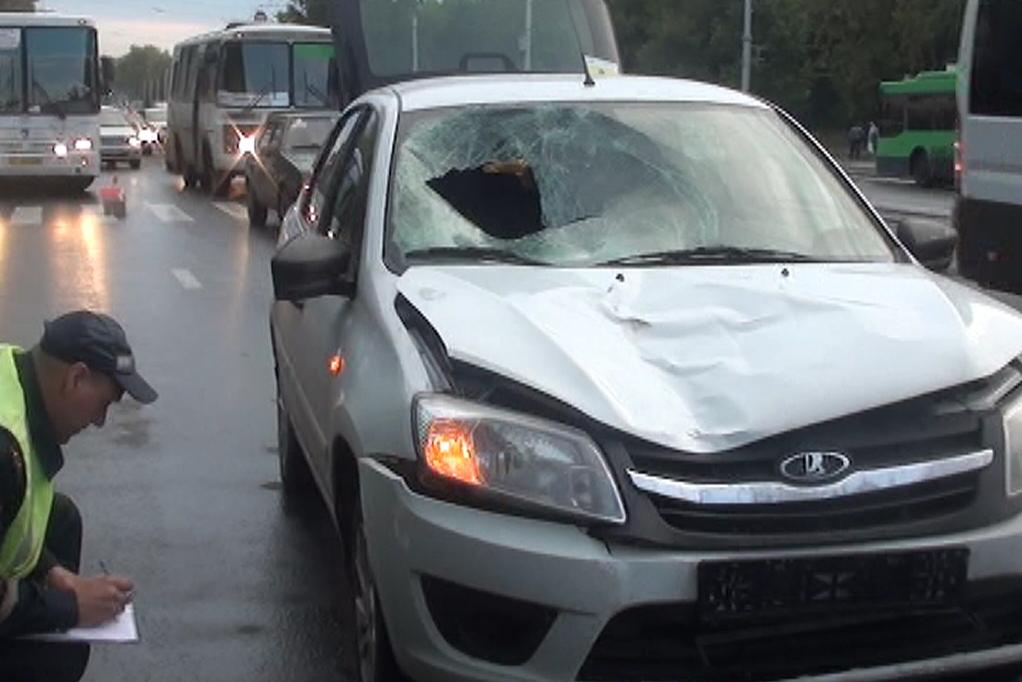 ВНовосибирске девушка на Лада Granta насмерть сбила пешехода