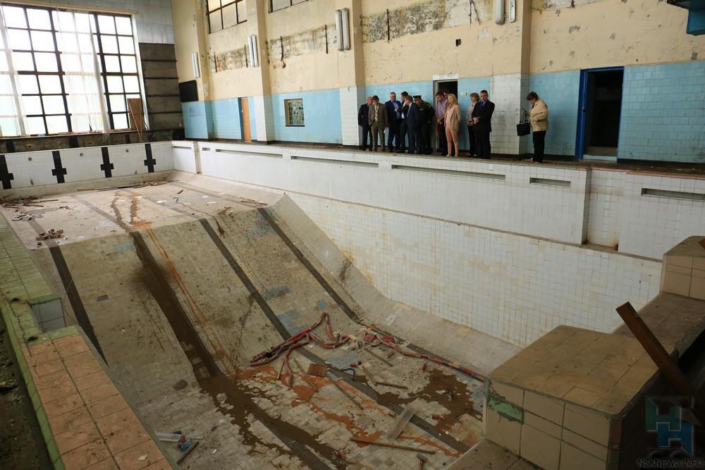 ВНовосибирске возвратят кжизни бассейн «Дельфин»