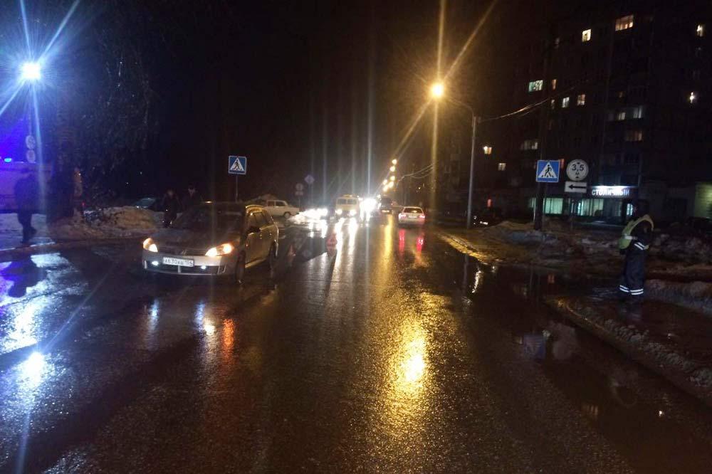 ВНовосибирске шофёр иномарки сбил женщину с сыном