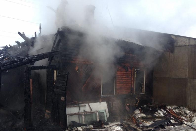 4 человека сгорели живьем вдоме под Новосибирском
