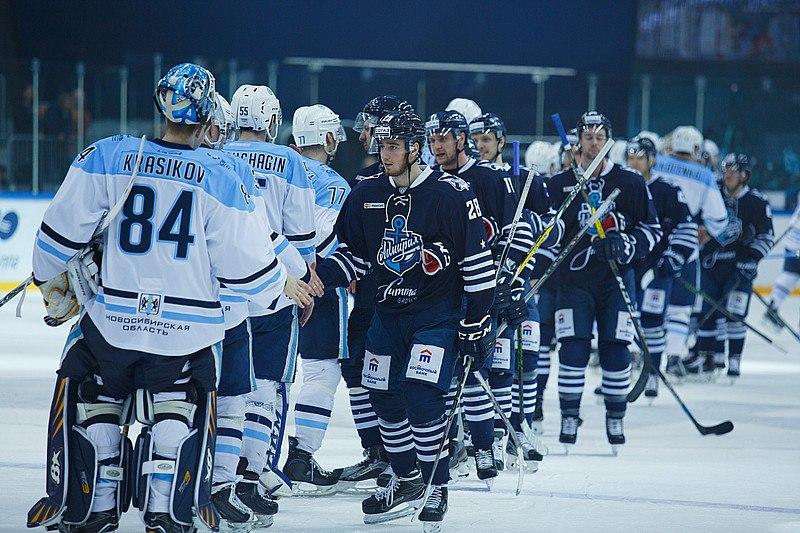 Сибирь одерживает победу над Адмиралом срезультатом 2:0