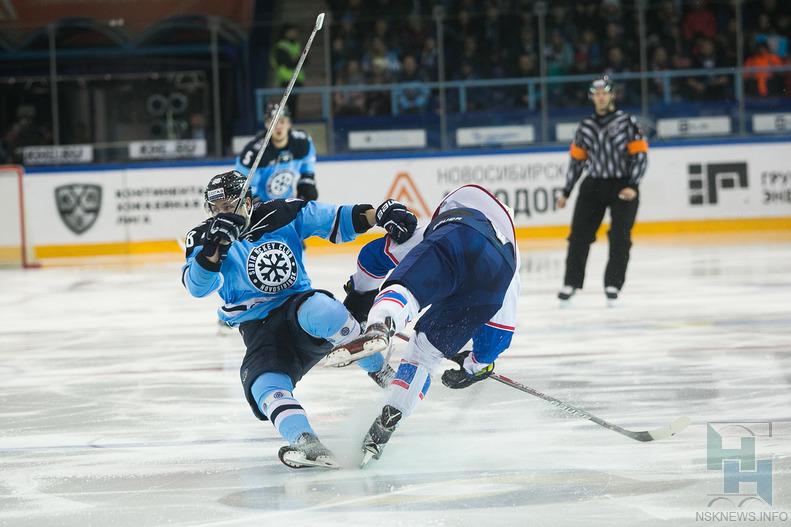 «Сибирь» уверенно обыграла тольяттинскую «Ладу»— Хоккей