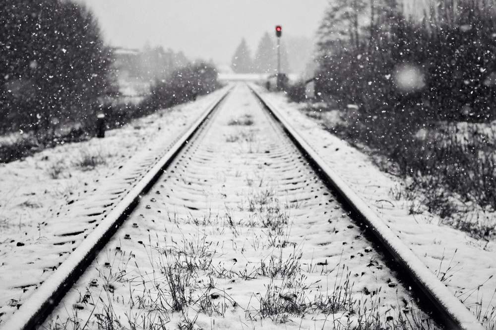 ВНовосибирске девочка угодила под поезд, однако выжила