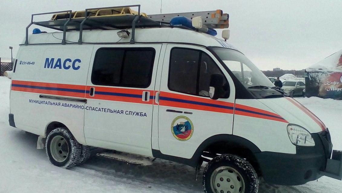 Гражданин Новосибирска наоживленной улице упал вяму и умер