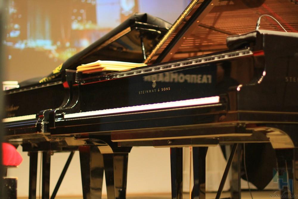 Британская писательница приедет вСибирь заисториями ораритетных пианино