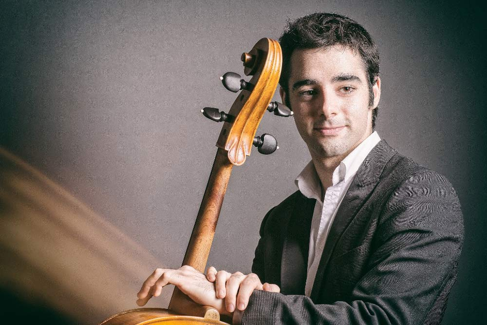 Испанец сыграет новосибирцам на320-летней виолончели Страдивари