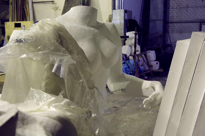 Театр «Глобус» реализует декорации