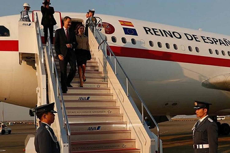 Самолет скоролем икоролевой Испании сядет вНовосибирске для дозаправки