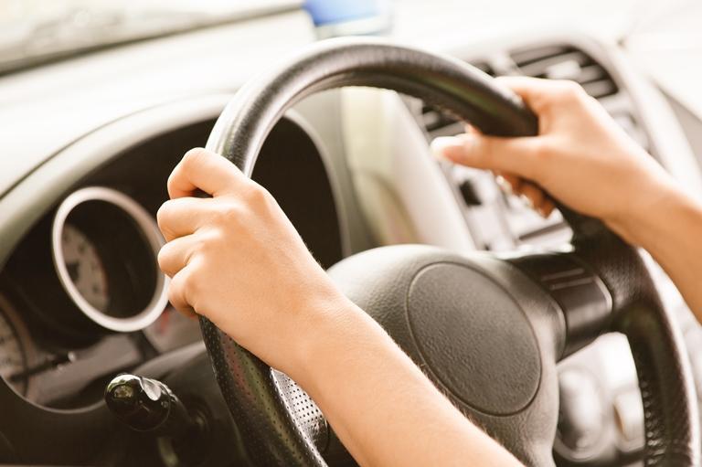 16-летняя девушка угнала вседорожный автомобиль иустроила гонки вцентре Новосибирска