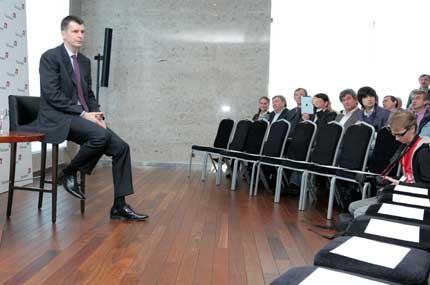 В Новосибирске кандидат в президенты РФ Михаил Прохоров встречался с бизнес-элитой и общественностью